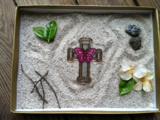 Sand Tray Therapy Zen Garden: Therapist should have this in the office.
